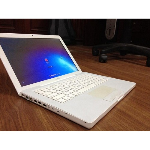 Apple MacBook White Core2Duo 13 Inch